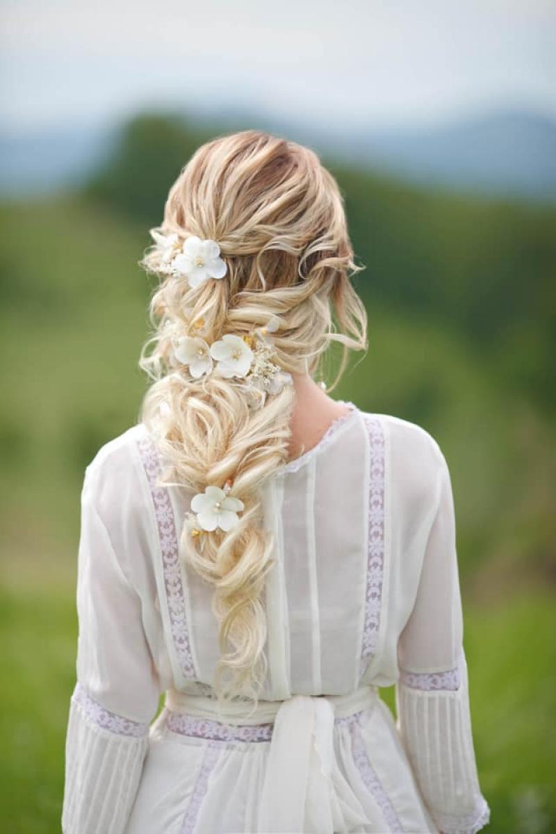 girl hair from behind  1.jpg